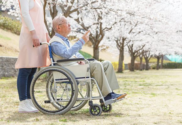 Make sure that nursing home staff has the proper training