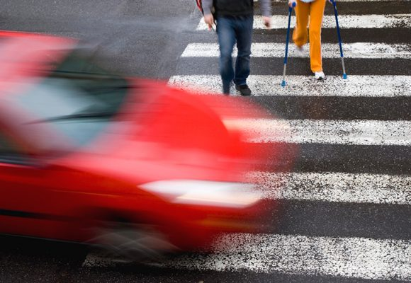 Study: Chicago drivers don't stop at crosswalks